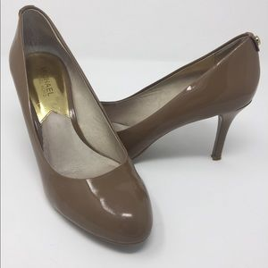 Michael Kors Brown Tan closed toed leather heels